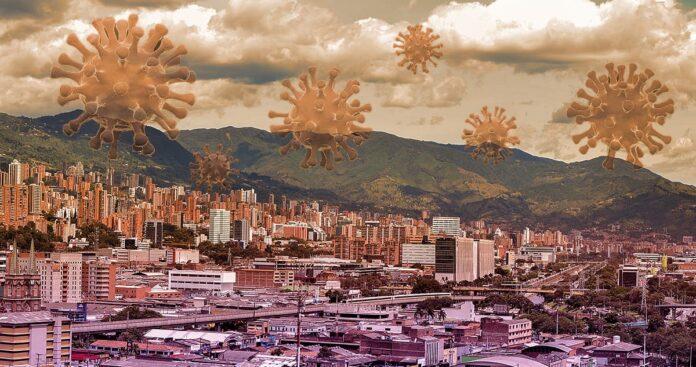 ¿Qué podría detonar un tercer pico de COVID-19 en Antioquia?