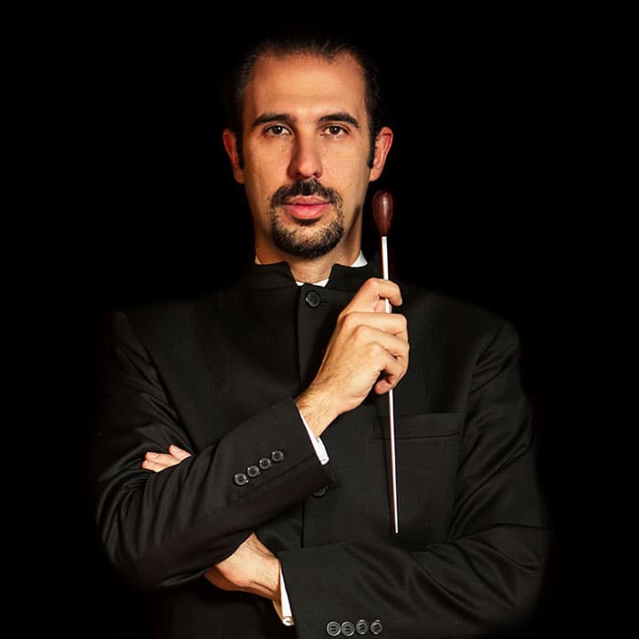 El director  Alejandro Roca
