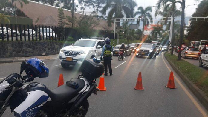 Cierre preventivo de la avenida Las Palmas por afectación en el kilómetro 1