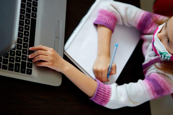 Colegios públicos de Medellín volverán a clases virtuales