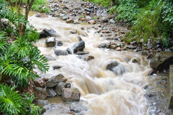 Fenómeno de La Niña trae temporada de intensas lluvias en Antioquia
