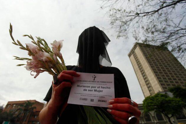 Día de la Mujer - Mujeres celebran las luchas por sus derechos