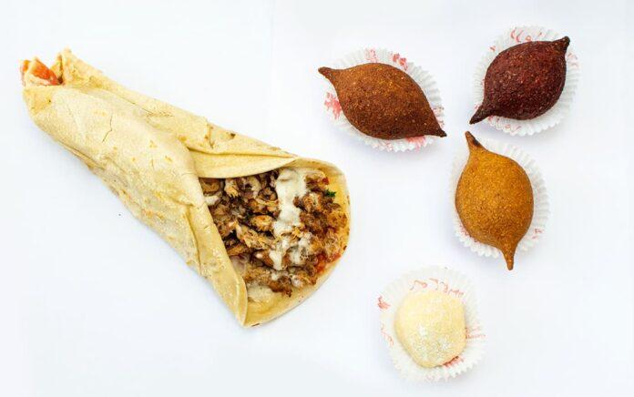 En 1996 abría en el mall Plaza el primer local de Shawarma. El local de Tata Abisaad aún se mantiene vigente.
