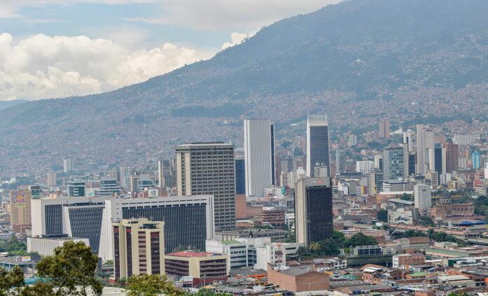 Empresarios de Medellín rechazan declaraciones del alcalde Daniel Quintero