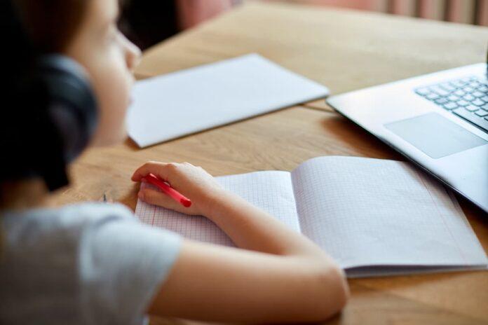 Estudio en casa se extiende hasta el 30 de abril en Medellín