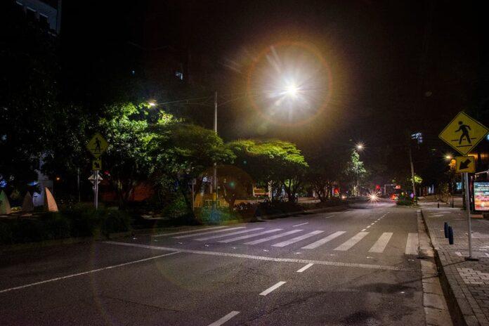 Toque de queda en Medellín y Antioquia del lunes 26 de abril al domingo 2 de mayo