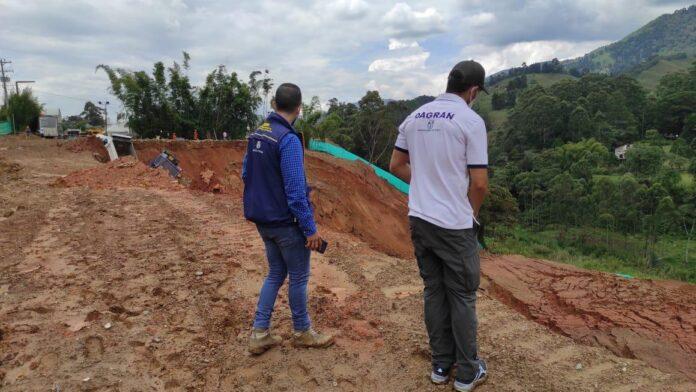 Continúa monitoreo del río Medellín tras represamiento parcial a la altura de Caldas