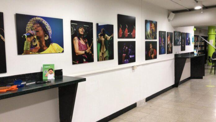 Mujeres en vivo, una exposición fotográfica de artistas clásicas