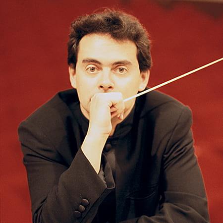 Alejandro Posada, director de orquesta. Fundador y director de Iberacademy