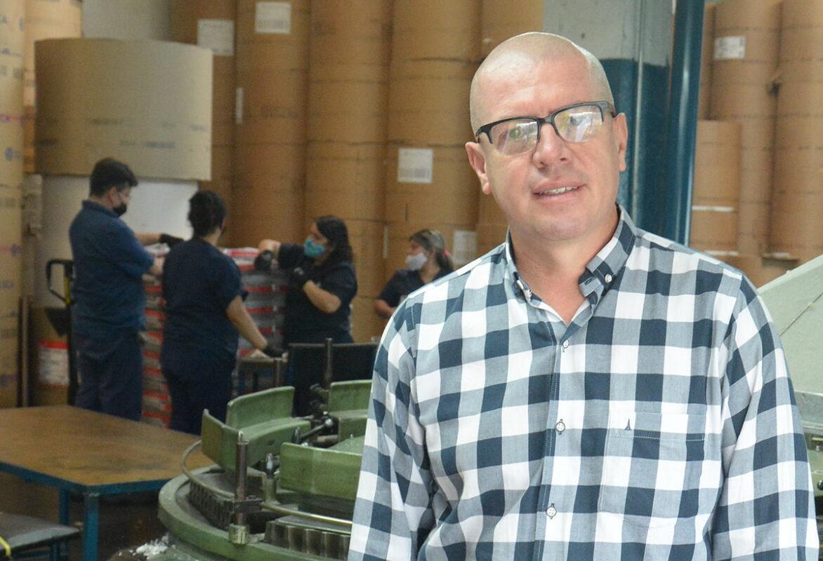 Ingeniero industrial Jorge Hernán Ramírez, gerente de operaciones.  Hizo carrera en el periódico: ingresó en 1992 como distribuidor de suscripciones desde las 3:00 a.m. Foto Cortesía La Patria.