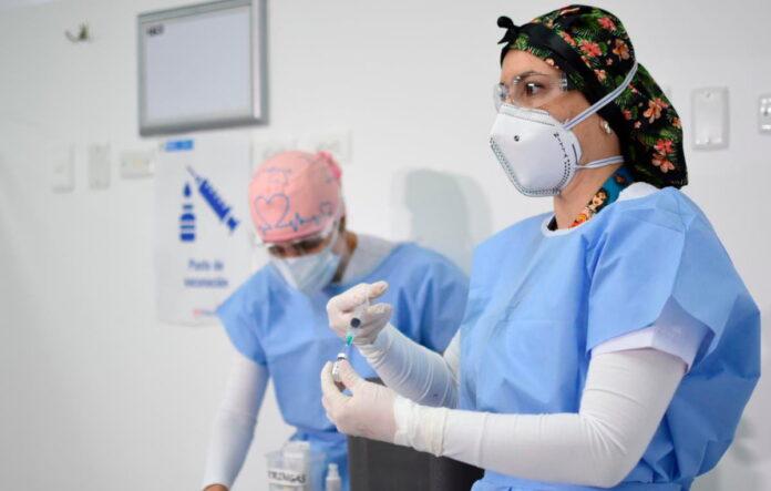 Minsalud: inicia vacunación de personas entre 45 y 49 años