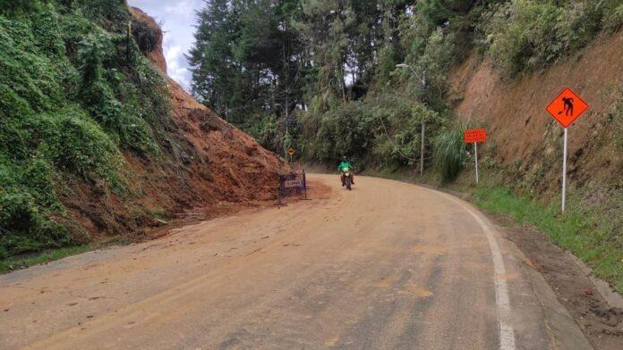 Habilitada vía de El Escobero, en Envigado tras finalizar la remoción del material en la zona