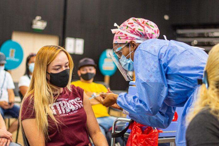 vacunación en Colombia contra el COVID19 al 24 Julio