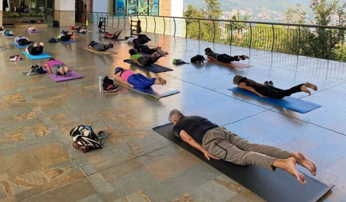 Clases de yoga en El Tesoro