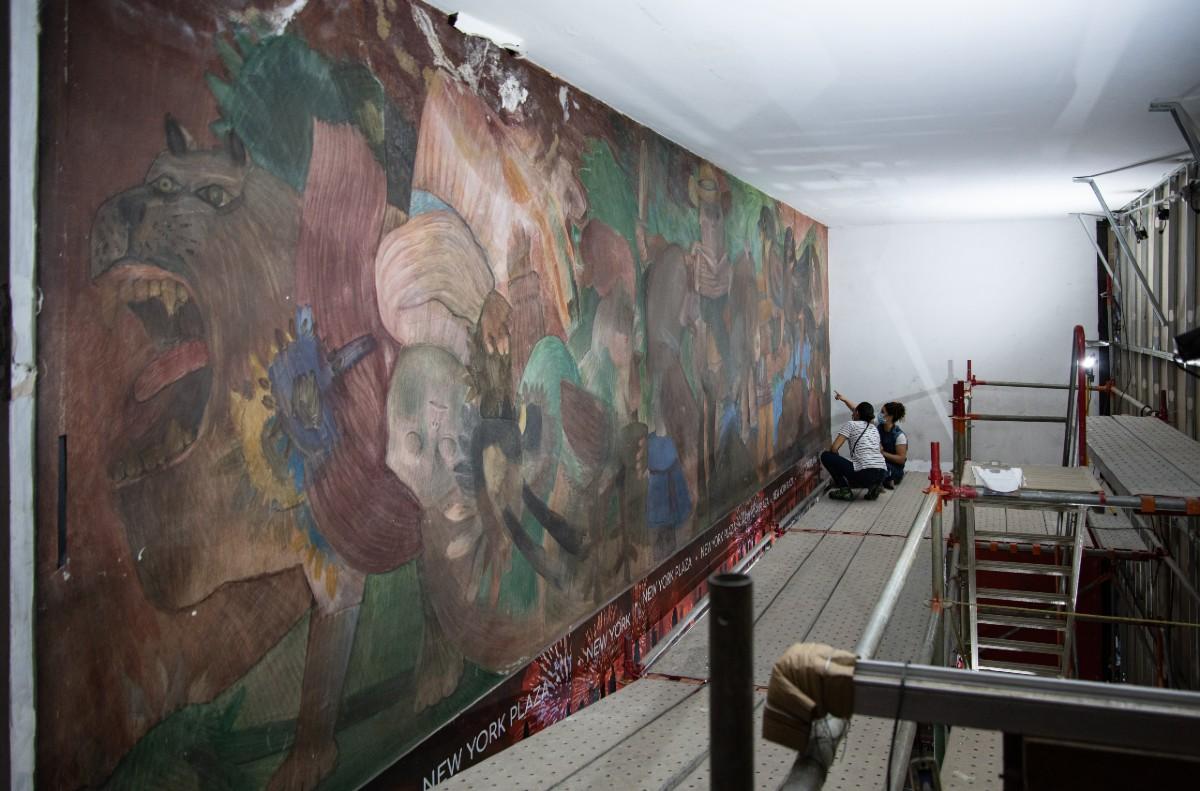 Traslado mural de botero proceso previo