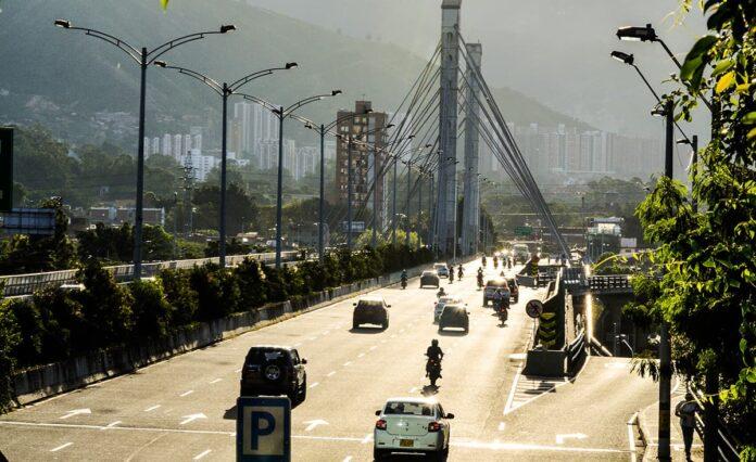 Pico y placa en Medellín para motos y vehículos este viernes 22 de octubre