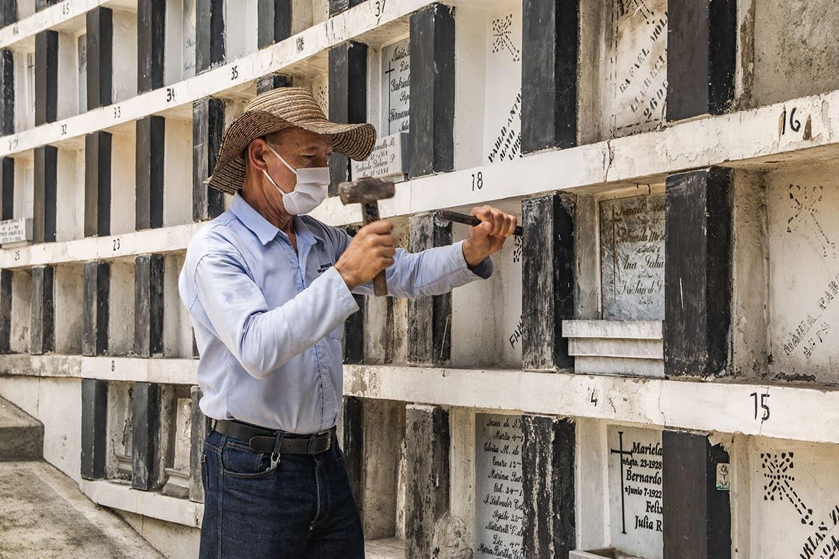 El cementerio de El Poblado ya no recibe muertos