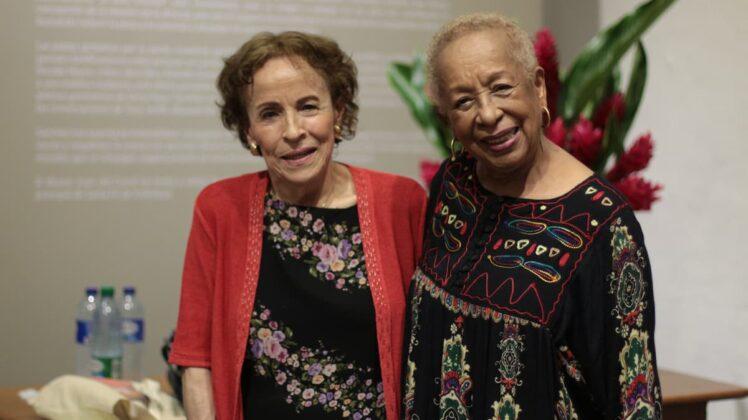En la velada, la maestra Blanca Uribe estuvo acompañada de su gran amiga, Teresita Gómez.