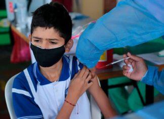 Vacunación masiva contra COVID19 en los colegios