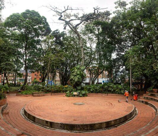 El Parque del Poblado Plaza ayer, Parque hoy