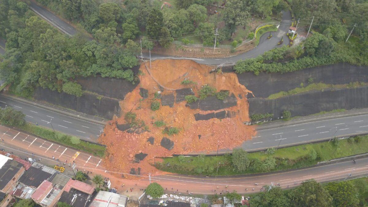 derrumbe a la altura de Copacabana