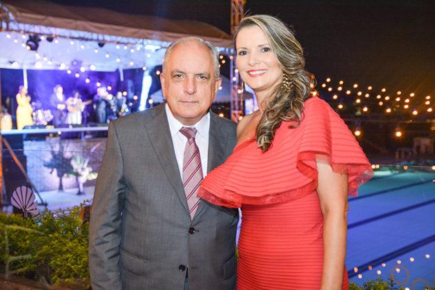 Hector Arango Gaviria y Adriana escobar