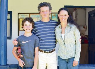 Tomás, Juan Felipe y Luisa. Los Restrepo Cardona, una familia cuya esencia es el campo y la música.