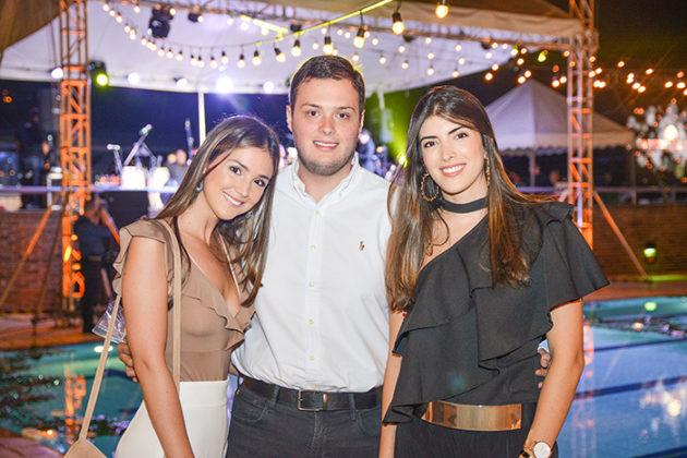 Luisa Sierra, Miguel Sierra y Mariana Vargas