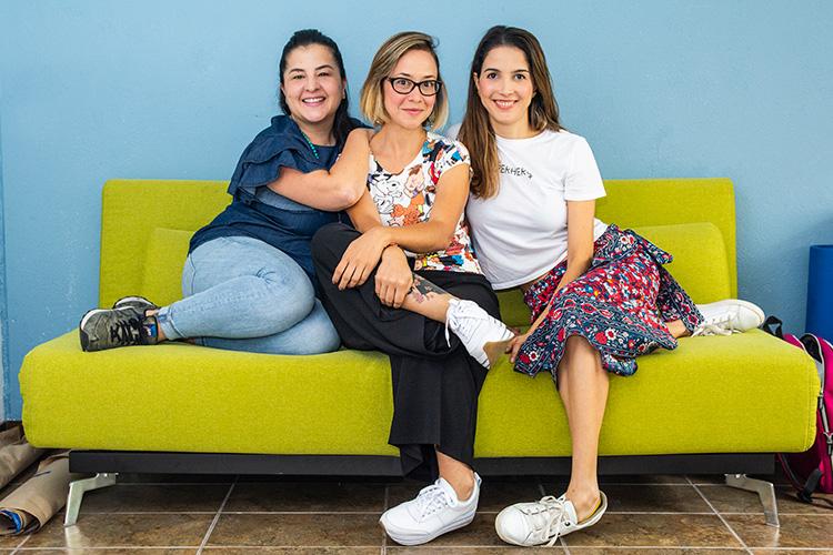MasMamas, una comunidad que reúne 150 mamás blogueras colombianas. Entregan herramientas que les permitan a estas mujeres desarrollar contenidos.