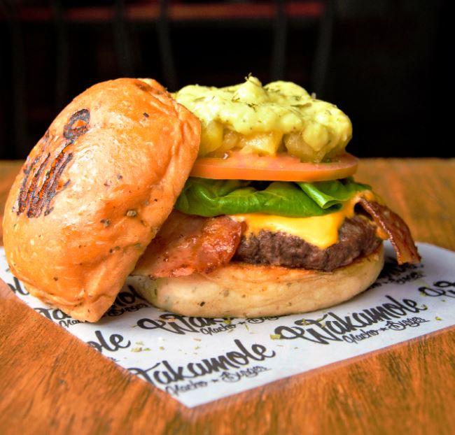 Wakamole Nacho & Burger