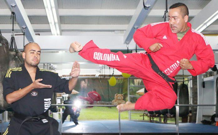 Bladimir Fernández El 12 veces campeón mundial, forja con disciplina a niños y a jóvenes. Es dócil y carismático en la cotidianidad
