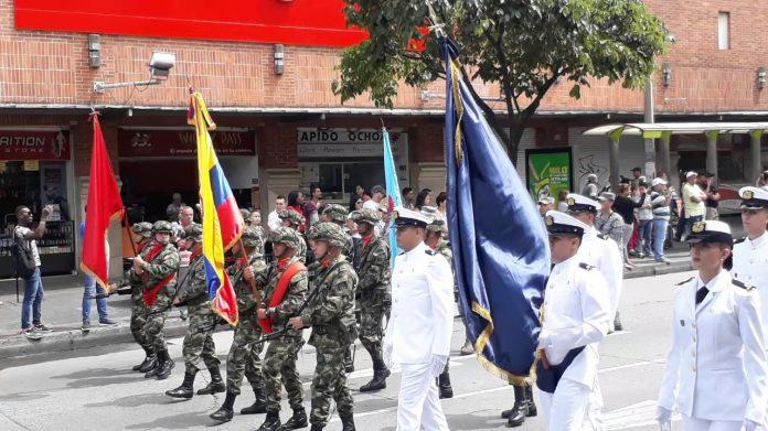 desfile militar en Medellín