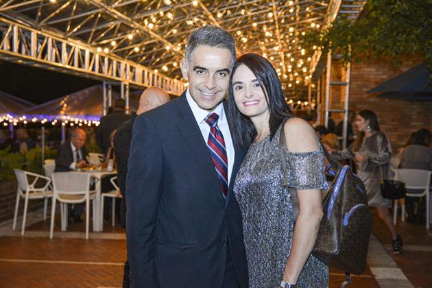Mauricio Echavarria y Erika Kurzer