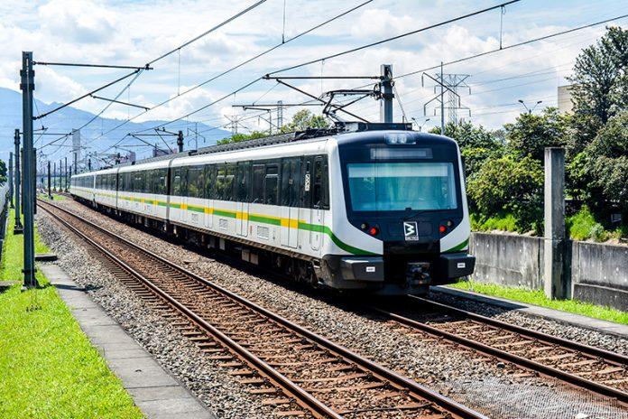 Movilidad sostenible metro de Medellín estación Aguacatala