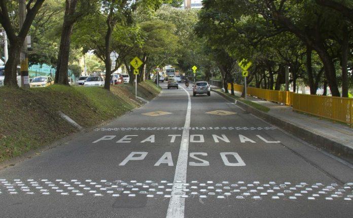 Taches sobre la avenida El Poblado