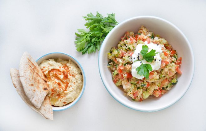 Tabule de quinoa y Hummus